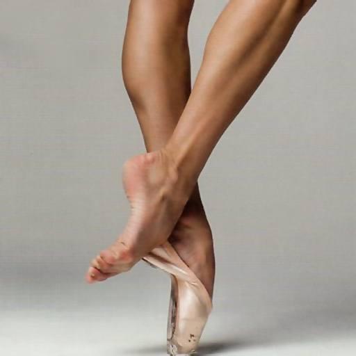 aliki-diamanti-feet